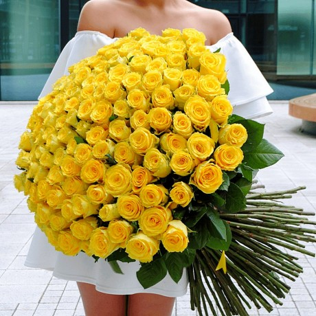 Bouquet 101 yellow r...