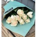 Bouquet of 11 cream roses