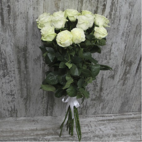 Bouquet of 15 white ...