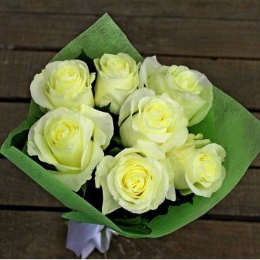 Bouquet of 7 white roses