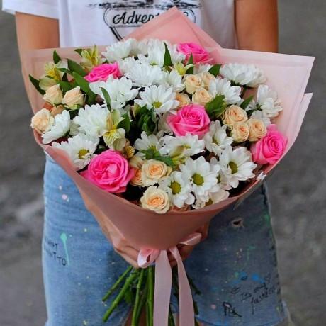 Bouquet of white chr...