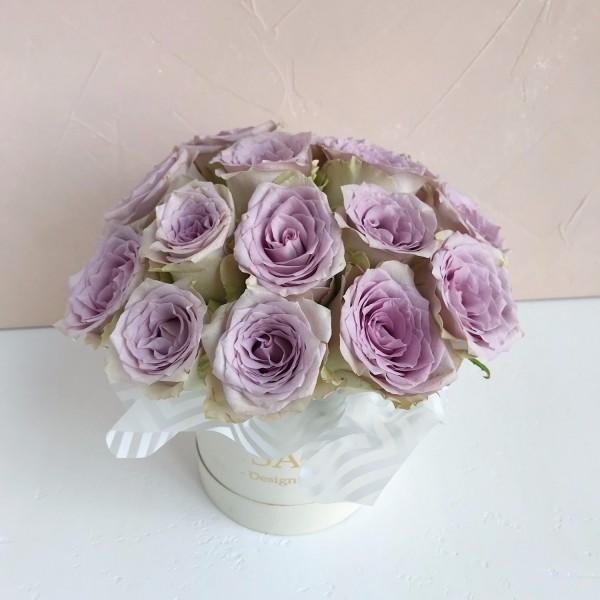 Box round roses memori