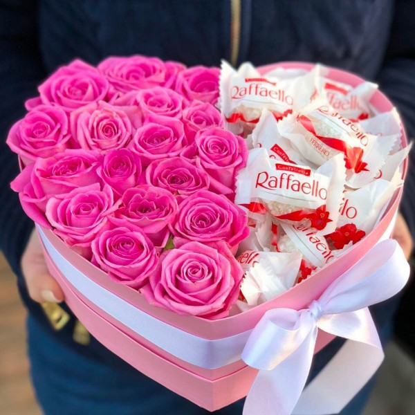 Box heart with pink roses and Raffaello