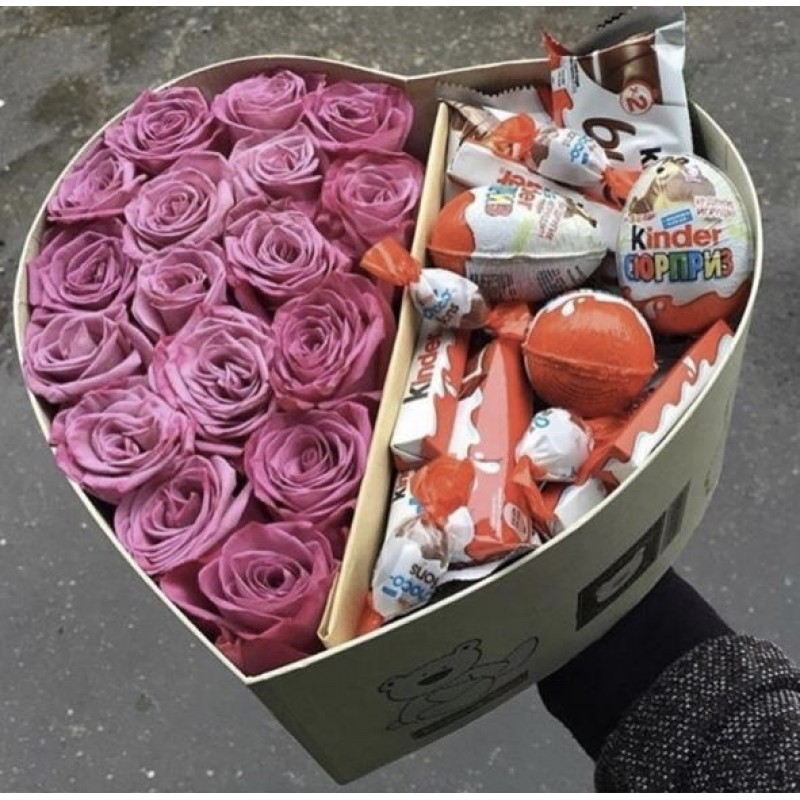 Heart box with pink roses and kinders