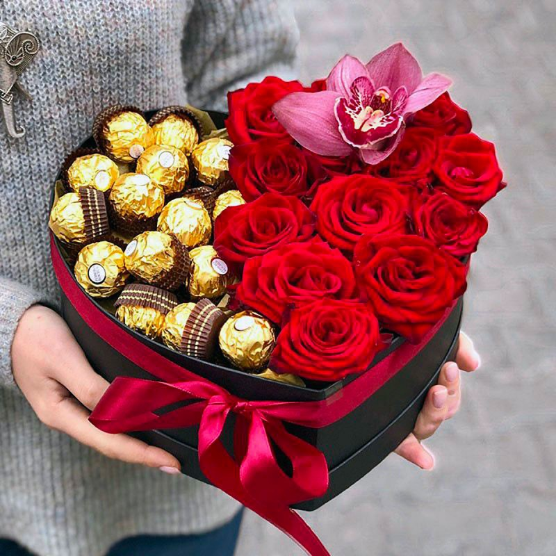 Box heart with red roses and ferrero