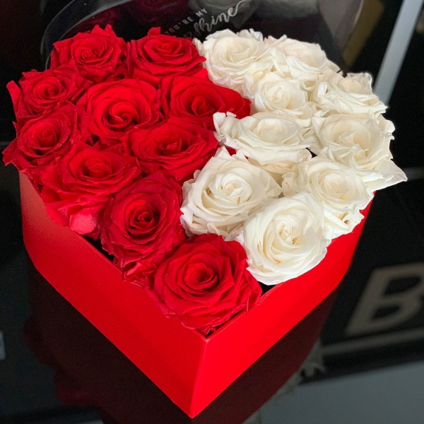 Box heart with red and white roses
